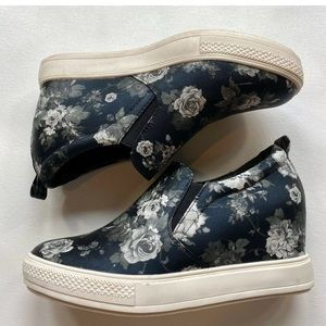 Wanted 8.5 Floral Faux Leather Platform Sneakers